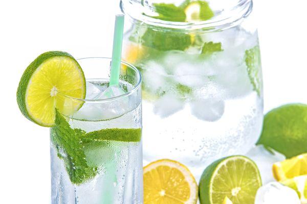 Чистата вода е слабо ефективна за вдигане на кръвното.