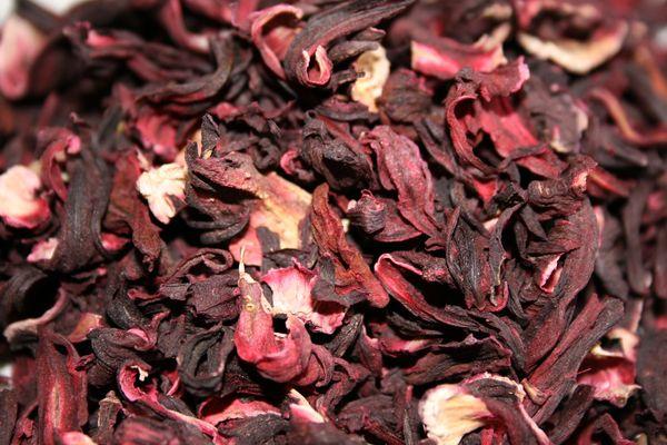 Цветове от каркаде (хибискус) за направа на чай.
