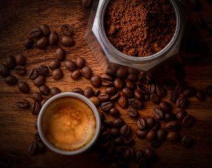 Кафе на зърна, кофеин