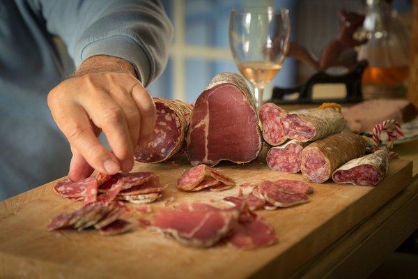 Наситените мазнини в месото повишават холестерола.
