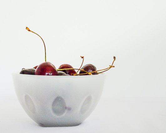 Лечение и диета при подагра - черешите понижават пикочната киселина.